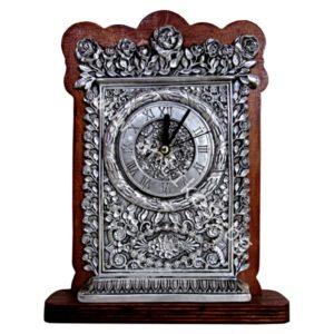 Посребрен часовник