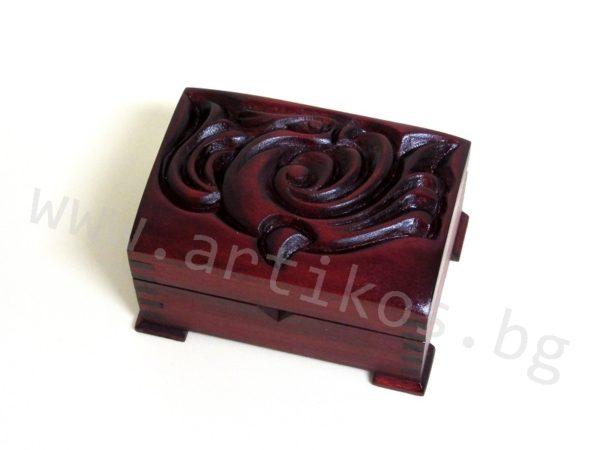 дърворезба кутия