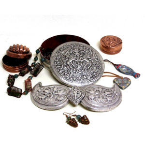 Jewelry and jewelry boxes