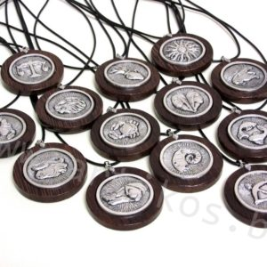 зодиак медальон подарък