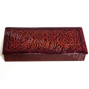 кутия за бижута от кожа